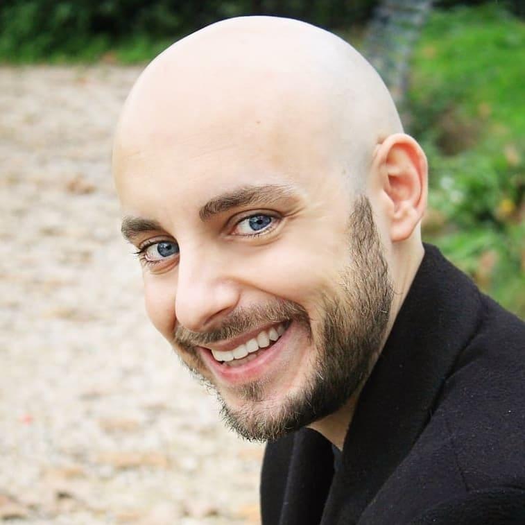 """Basilio Petruzza, autore di """"Esistiamo per non perderci"""""""